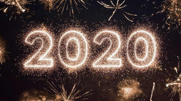 https://astrocycles.net/wp-content/uploads/2020-fireworks-AdobeStock_310288846.jpg